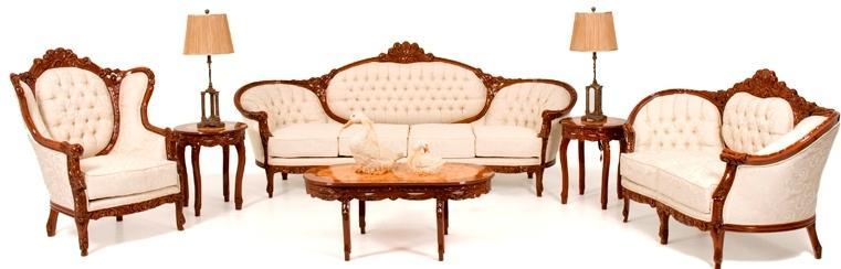 Bienvenido arte muebles for Recamaras estilo luis 15